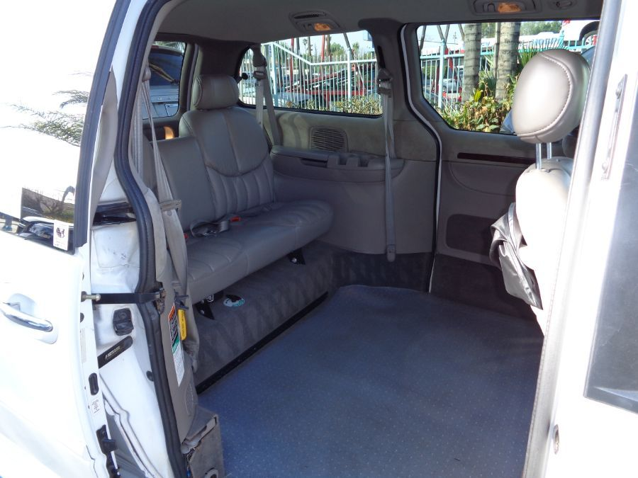 White Chrysler Town and Country image number 9