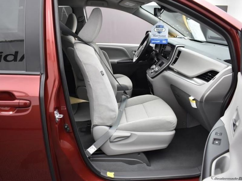 Red Toyota Sienna image number 11