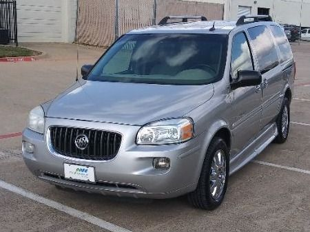 Silver Buick Terraza image number 6