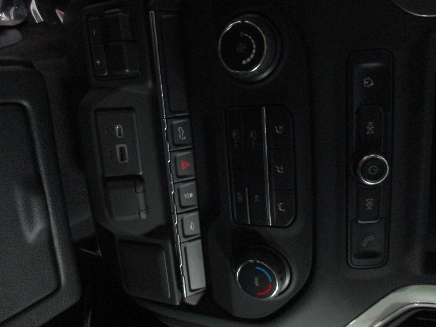 Silver Chevrolet Silverado 1500 image number 7