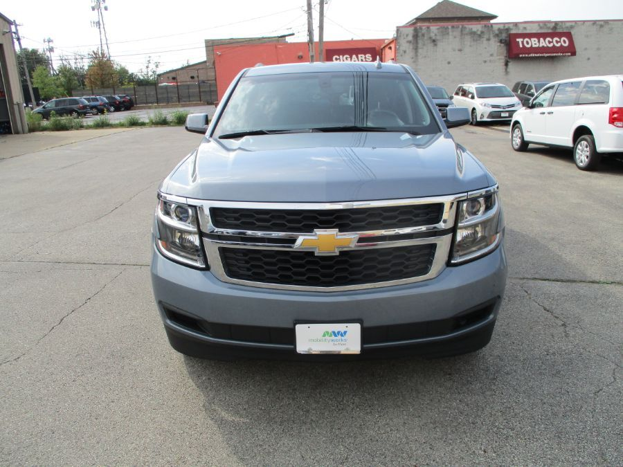 Gray Chevrolet Suburban image number 1