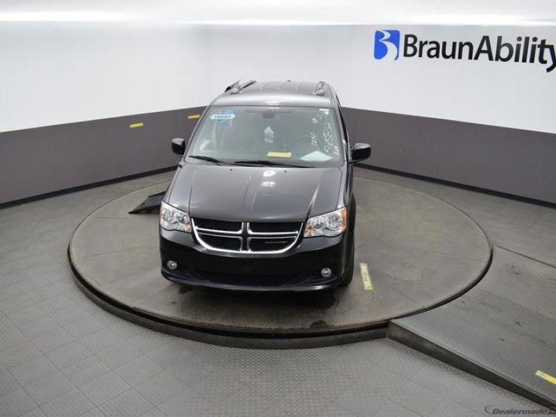 Black Dodge Grand Caravan image number 26