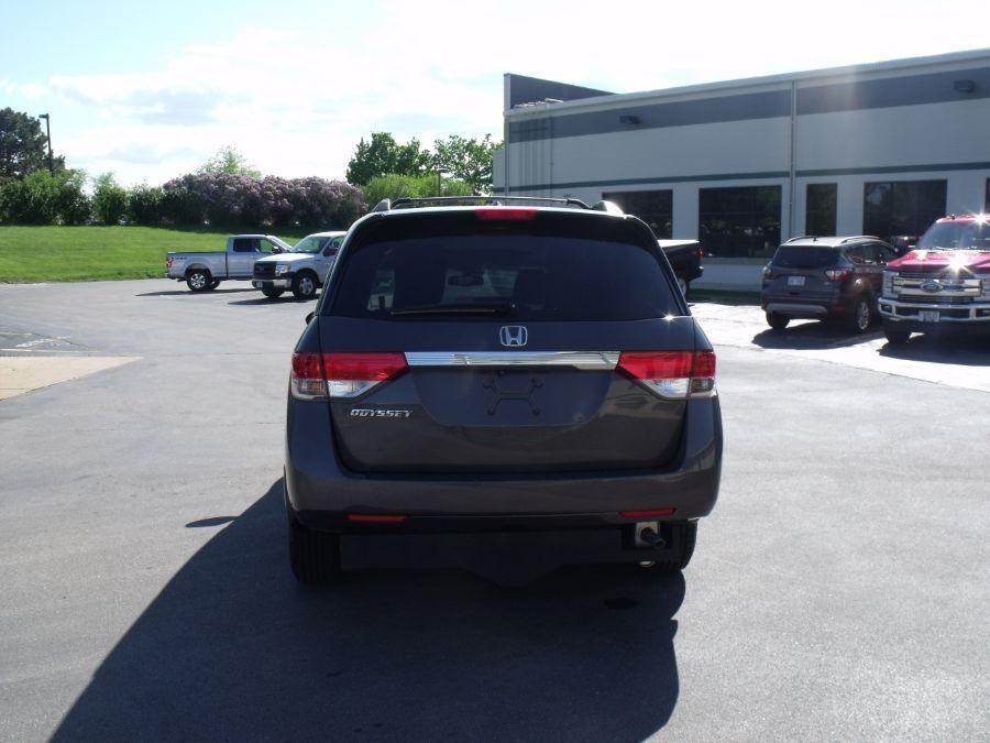 Gray Honda Odyssey image number 5