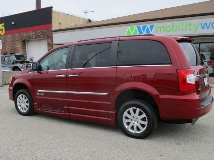 Red Chrysler Town and Country image number 5