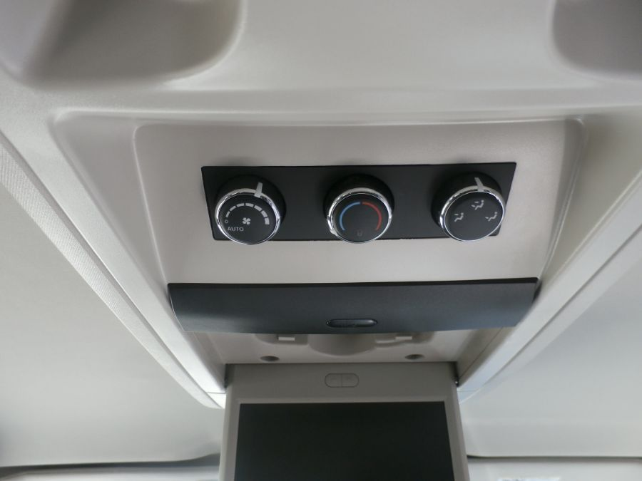 BROWN Chrysler Town and Country image number 31