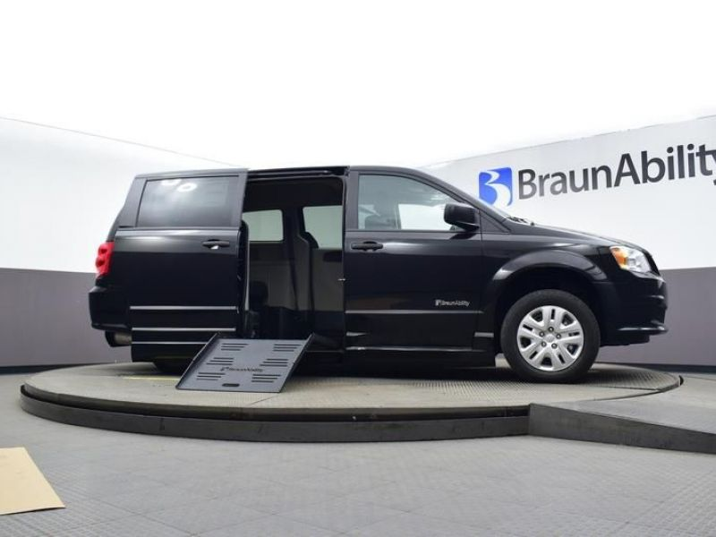 Black Dodge Grand Caravan image number 19