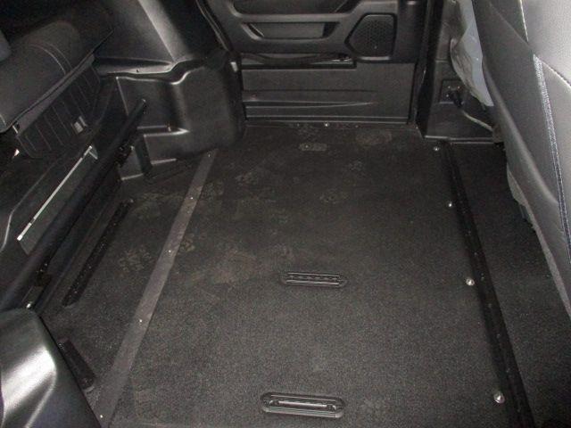 Black Honda Odyssey image number 11