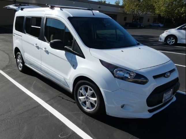 White Ford Transit Connect Wagon image number 4