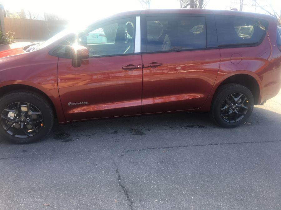 Red Chrysler Pacifica image number 1