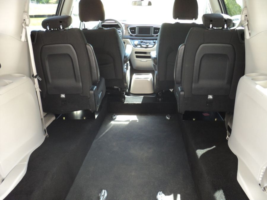 White Chrysler Pacifica with Rear Entry Manual  ramp