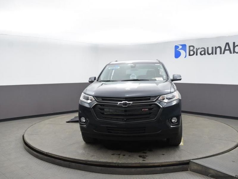 Gray Chevrolet Traverse image number 2