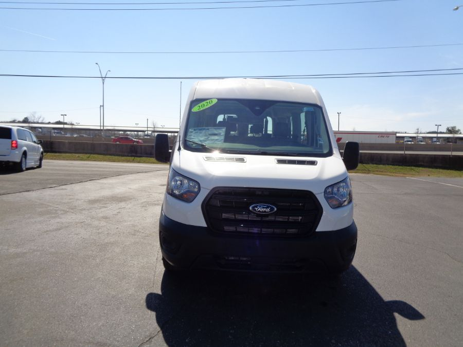 White Ford T350 image number 1