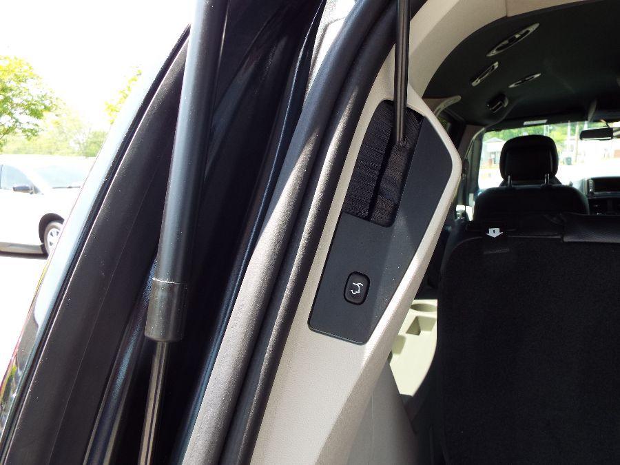 Black Dodge Grand Caravan image number 23