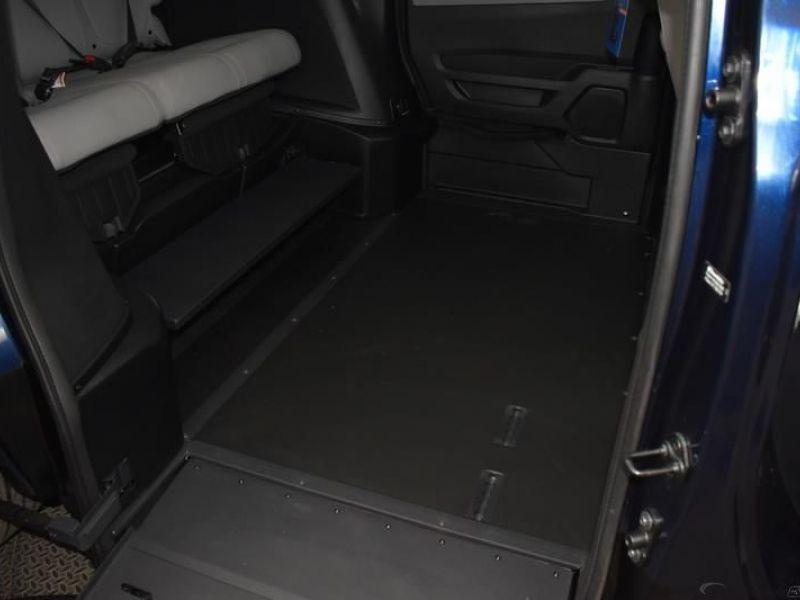 Blue Honda Odyssey image number 8