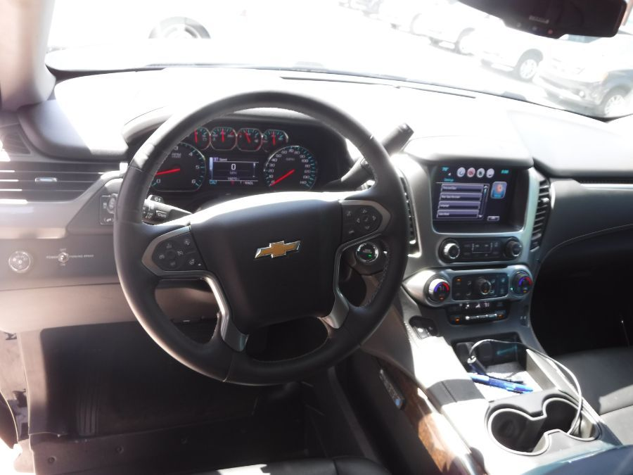 Black Chevrolet Tahoe image number 12