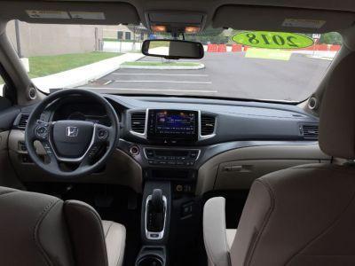 White Honda Pilot image number 8