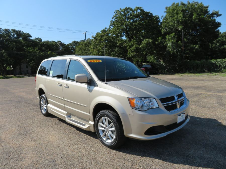 Brown Dodge Grand Caravan image number 13
