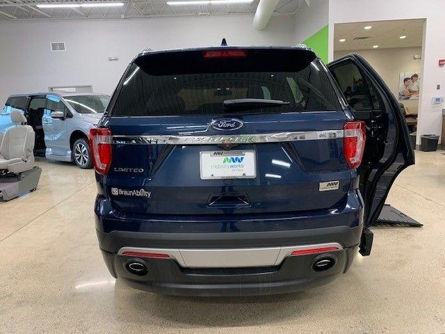 Blue Ford Explorer image number 5