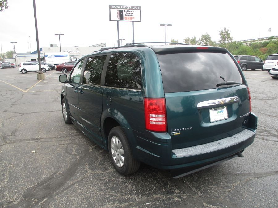 Green Chrysler Town and Country image number 4