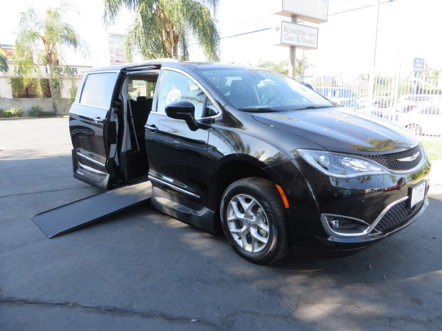 Black Chrysler Pacifica with Side Entry Automatic In Floor ramp