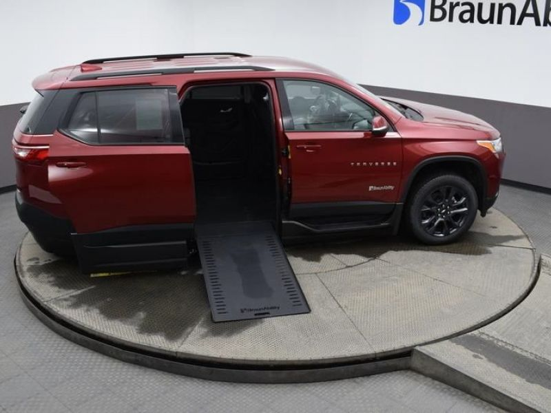 Red Chevrolet Traverse image number 19