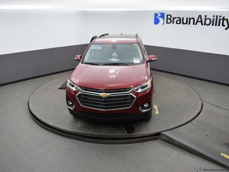 Red Chevrolet Traverse image number 17