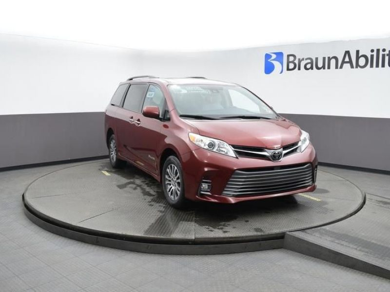 Red Toyota Sienna with Rear Entry Manual Fold Out ramp