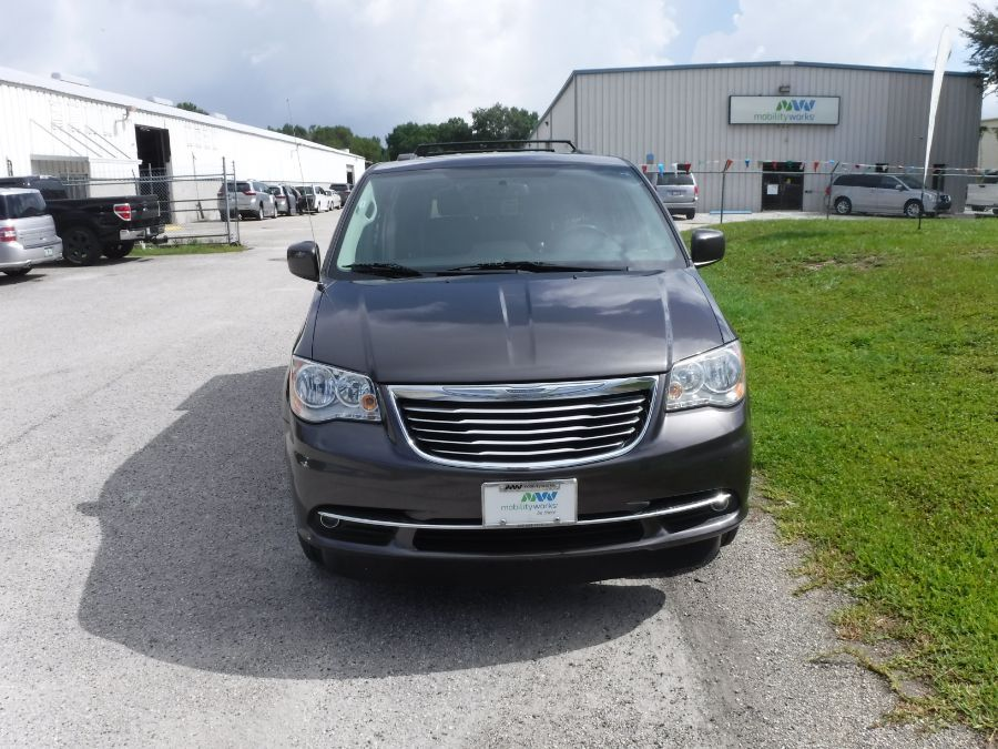 Gray Chrysler Town and Country image number 2
