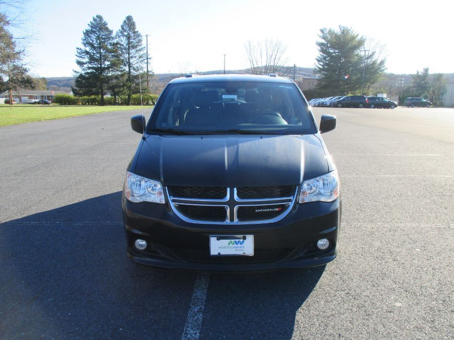Black Dodge Grand Caravan image number 20