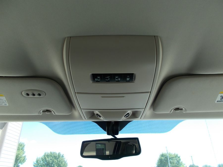 Brown Chrysler Town and Country image number 15
