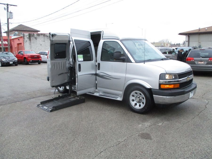Silver Chevrolet Express Cargo image number 4