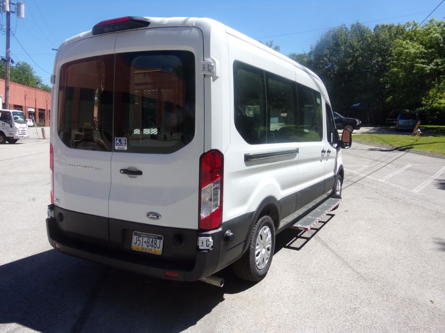 White Ford T350 image number 5
