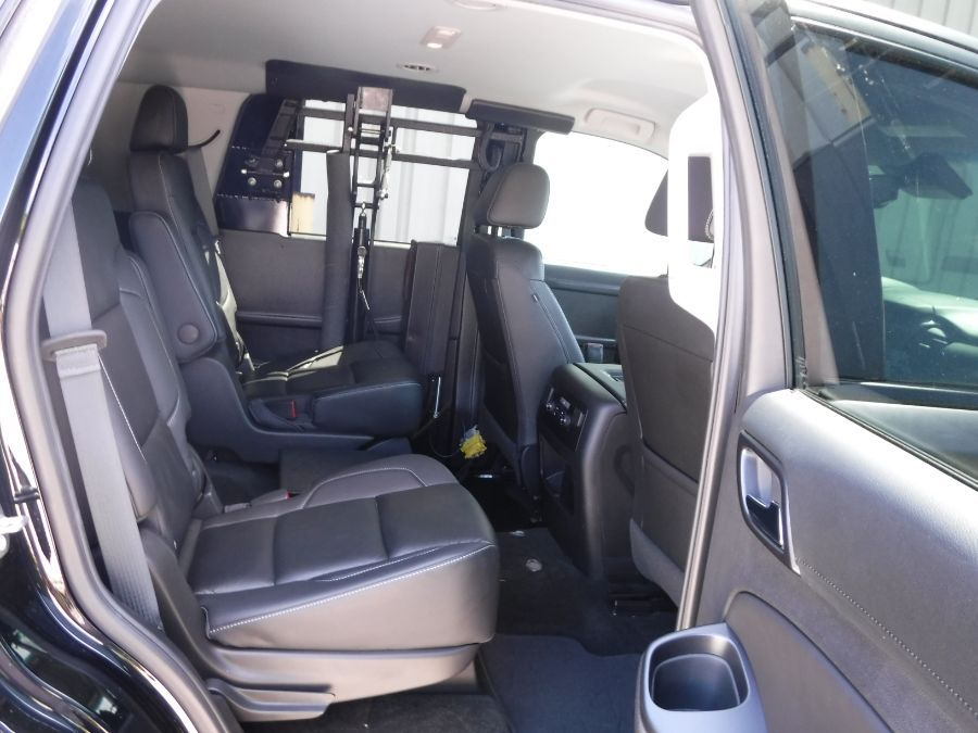 Black Chevrolet Tahoe image number 17