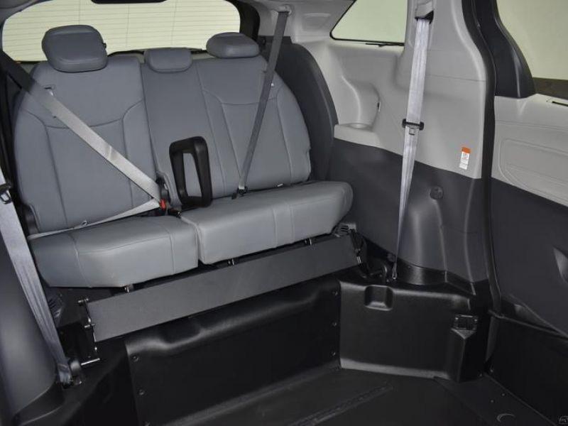 Black Toyota Sienna image number 9