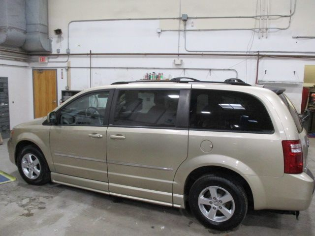 Gold Dodge Grand Caravan image number 8