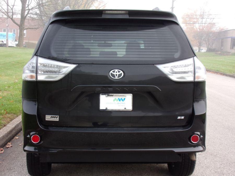 Black Toyota Sienna image number 5