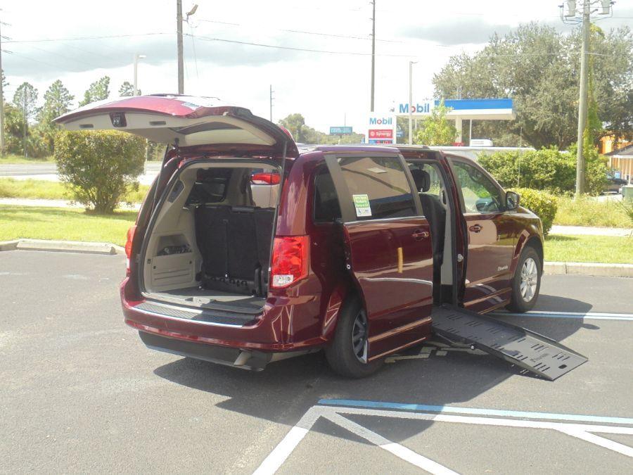 Red Dodge Grand Caravan image number 16