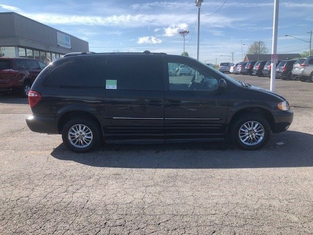 Black Chrysler Town and Country image number 3