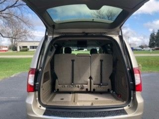 Brown Chrysler Town and Country image number 10