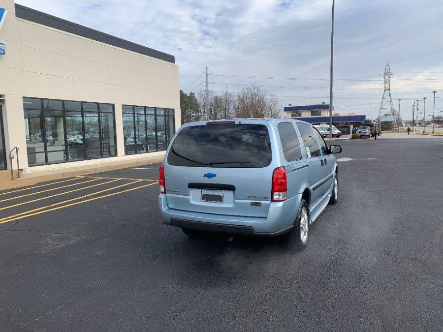 Blue Chevrolet Uplander image number 4
