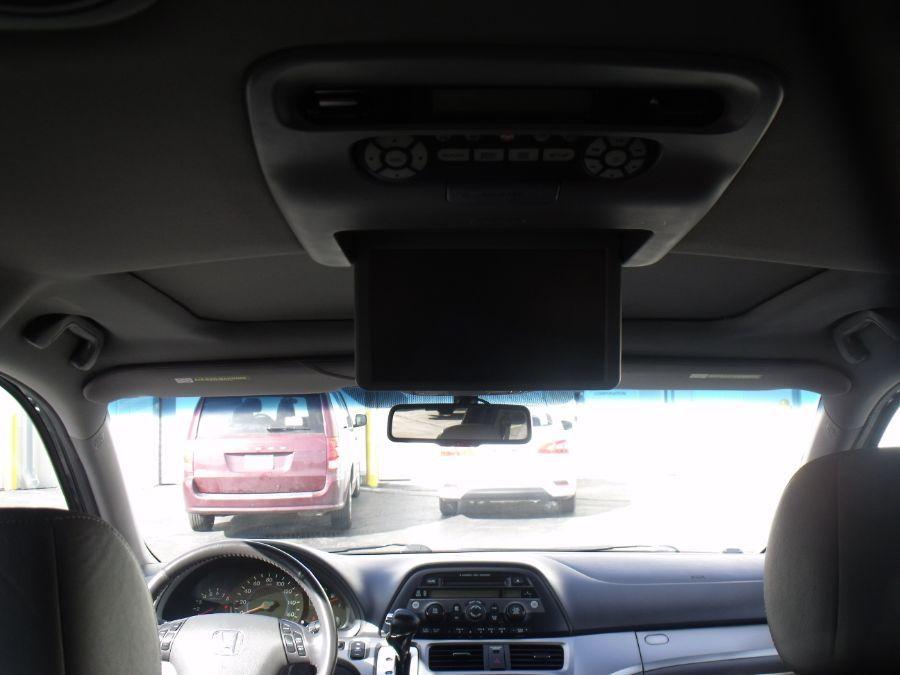 Blue Honda Odyssey image number 11