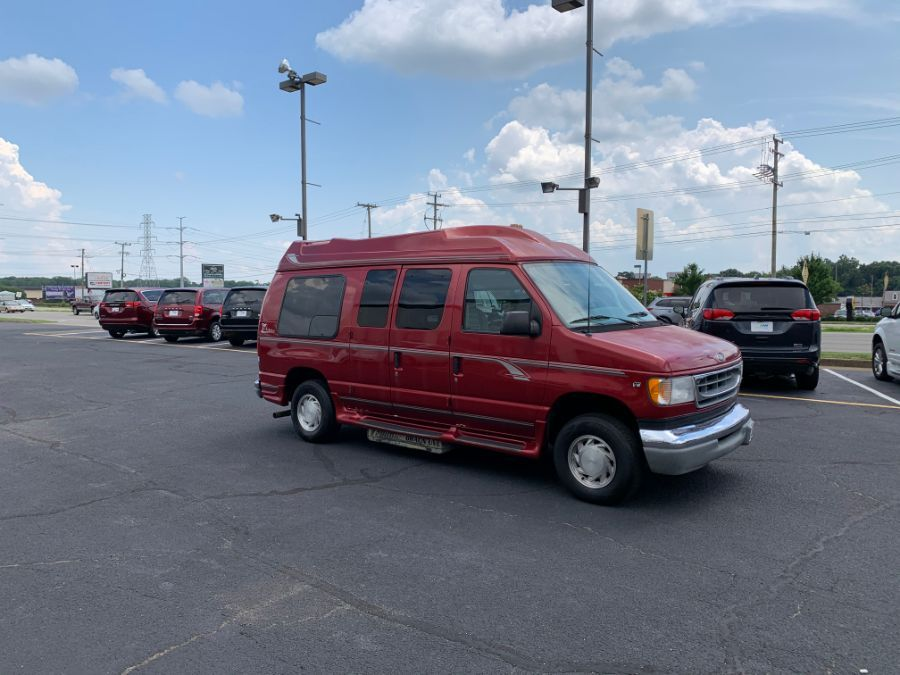 Ford E-150 image number 6