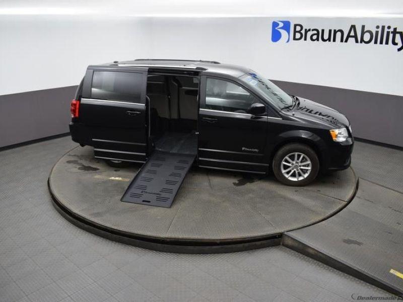 Black Dodge Grand Caravan image number 17