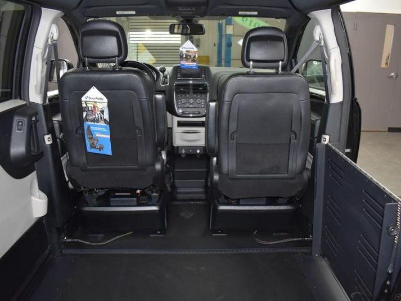 Black Dodge Grand Caravan image number 14