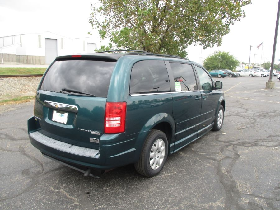 Green Chrysler Town and Country image number 5