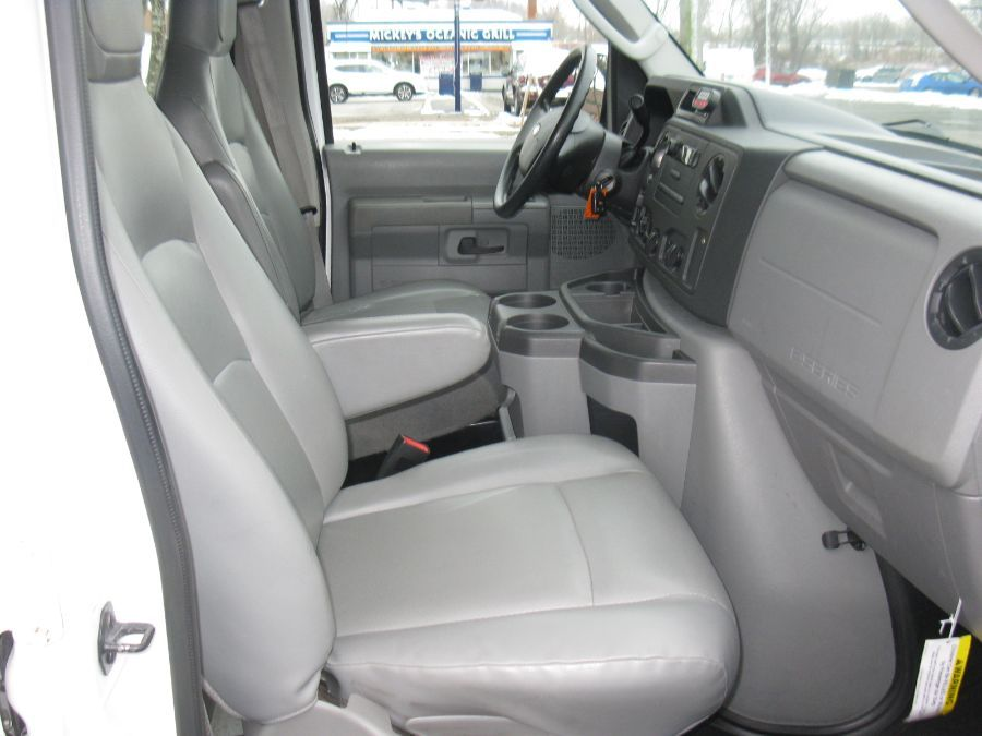 White Ford E-Series Cargo image number 11