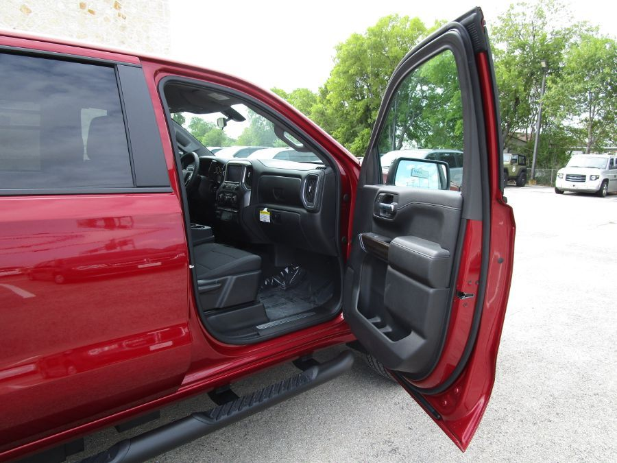 Red Chevrolet Silverado 1500 image number 12