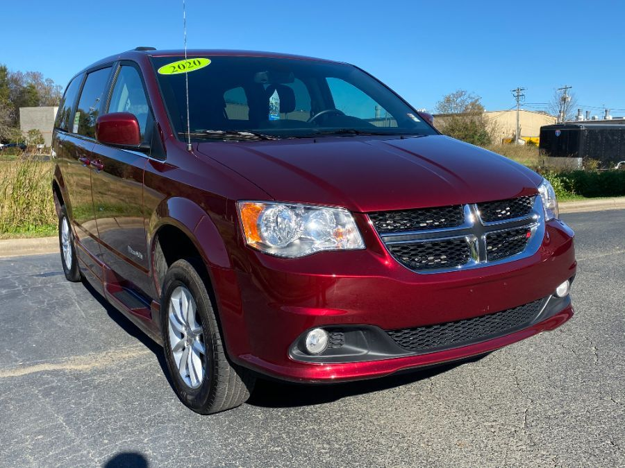 Red Dodge Grand Caravan image number 16