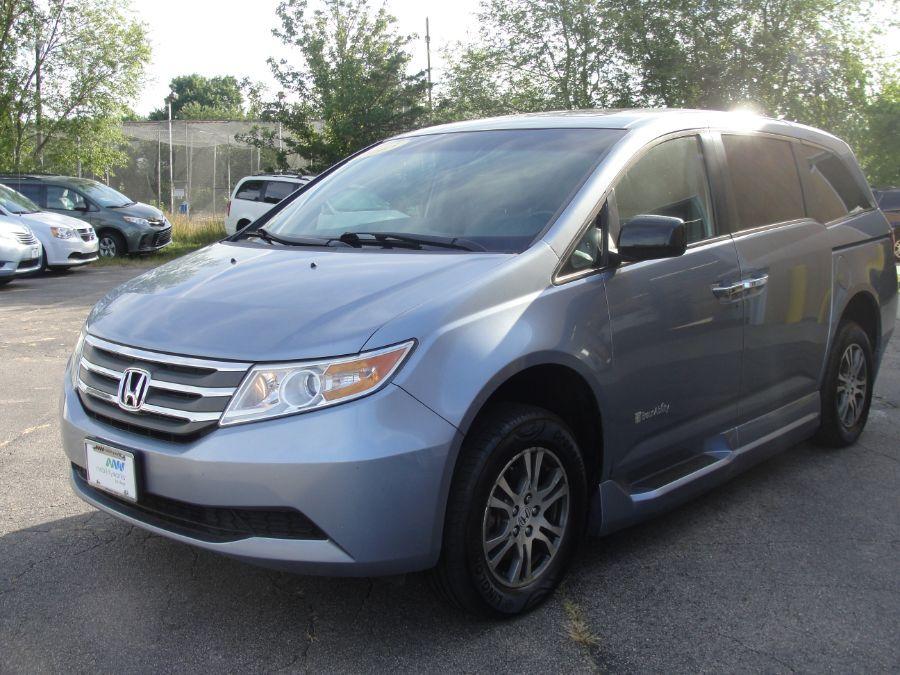 Blue Honda Odyssey image number 3