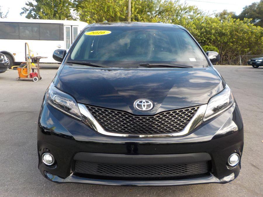 Black Toyota Sienna image number 1